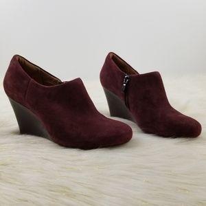 Clarks Artisan size 6M leather wedge heel booties
